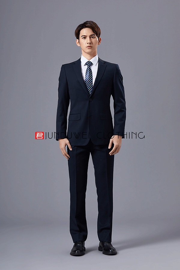 深圳西装定制男士如何挑选适合自己的尺寸,这几点需要注意!