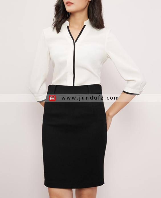 V领前开扣衬衫+通勤包臀西裙套装定制展示图