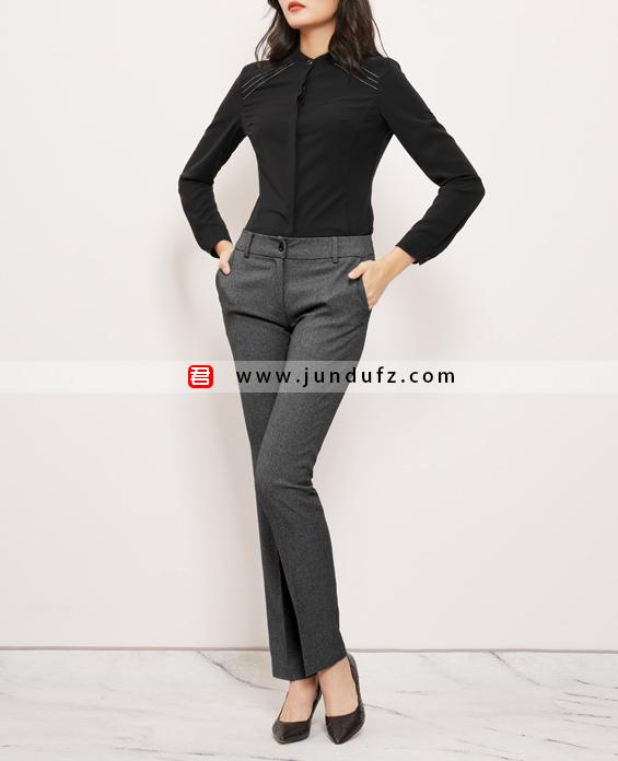 小立领高端衬衫+灰色直筒长裤套装定制展示图