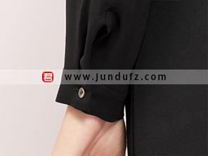 黑色蕾丝领优雅衬衫袖口细节