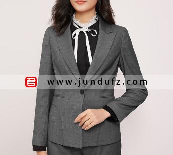 灰色戗驳领高端商务西装三件套套装定制