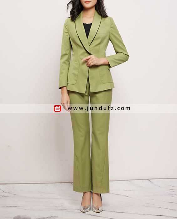 绿色精品羊毛西装两件套套装定制展示图