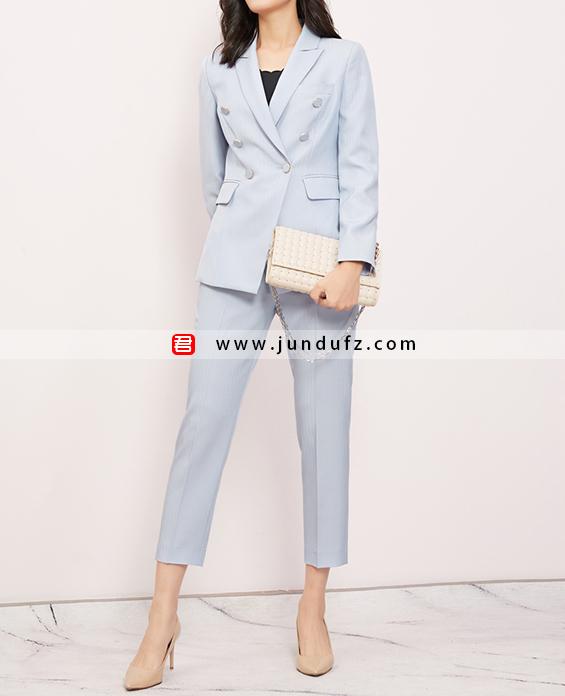 女浅蓝双排扣西装两件套套装定制展示图