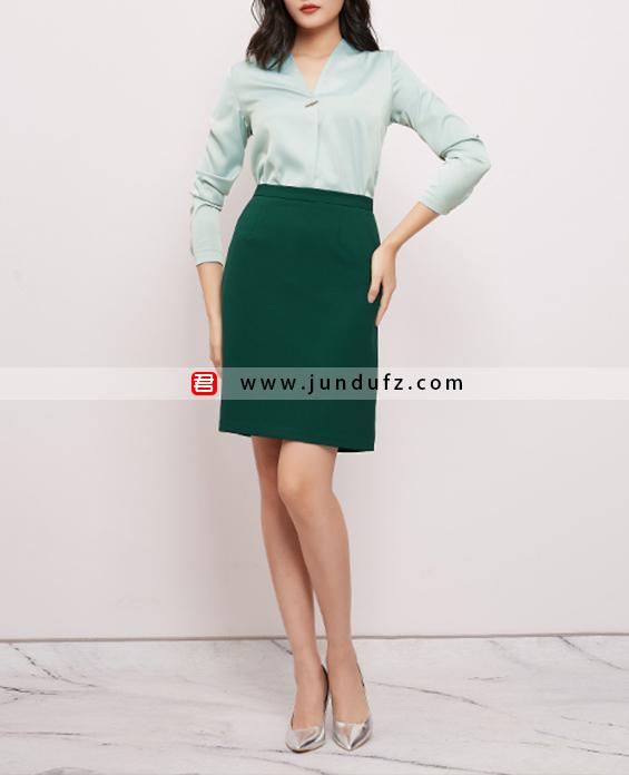缎面复古衬衫+经典高腰半身裙套装定制展示图