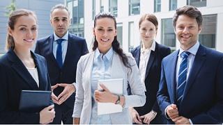 给企业定制职业装时需要注意哪些事项?