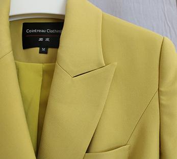女黄色双排扣西服定制图片