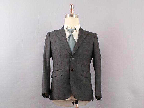 男深色单排扣条纹西服定制