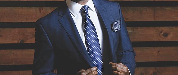 定制西装如何选择合适的领带进行搭配?