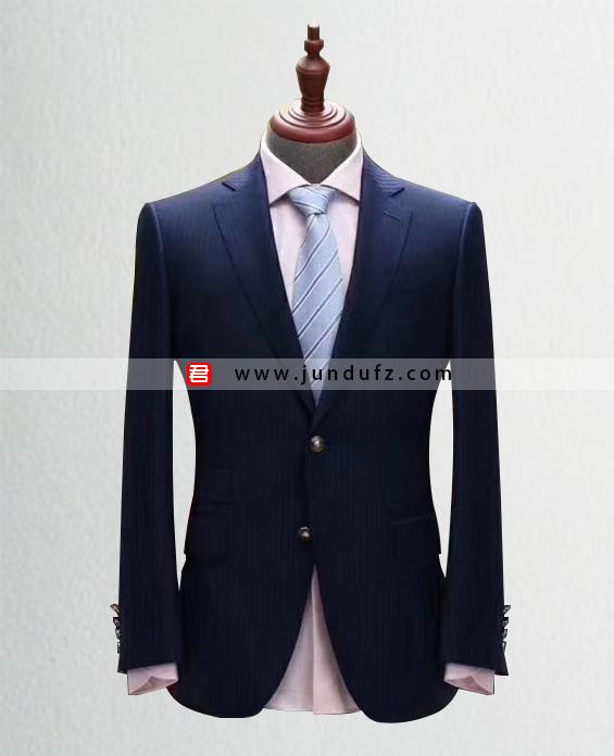 高级男士条纹西服定制展示图