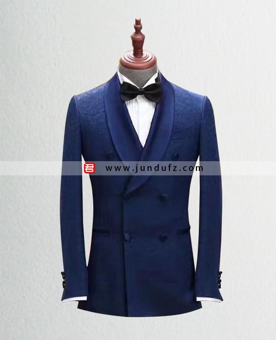 高级男士双排扣西服定制展示图