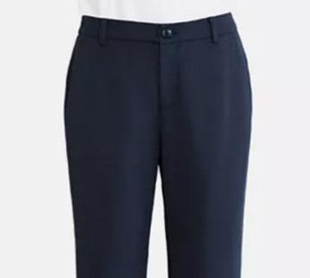 女士9分喇叭裤细节展示