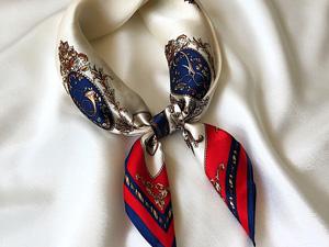 蓝色花纹时尚气质丝巾定制