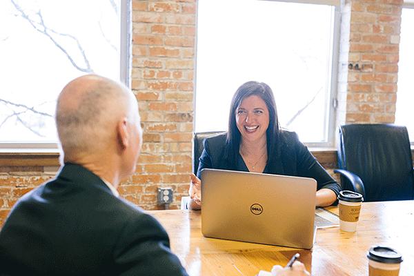团体职业装定制助您提升企业品牌形象