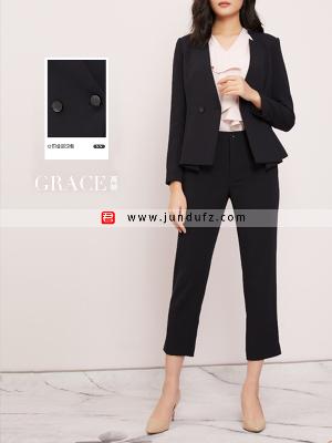 时尚V领收腰修身西装三件套套装定制